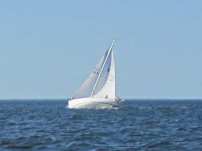 Morgan 30 sailboat heeling. Morgan 30 Heeling